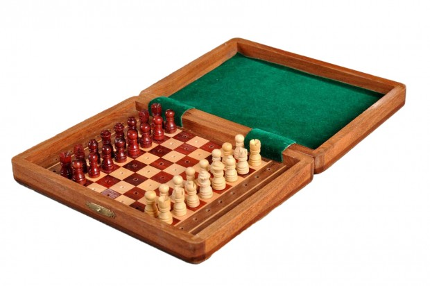 "PEG WOODEN Travel Chess Set - 8"" x 6"""