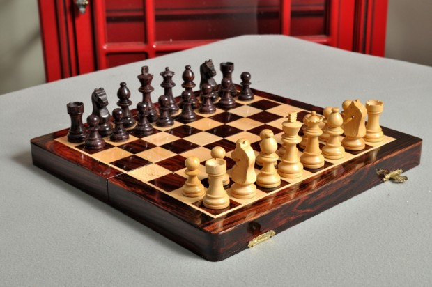 """FOLDING WOODEN MAGNETIC Travel Chess Set - 10"""" - Indian Rosewood and Maple"""