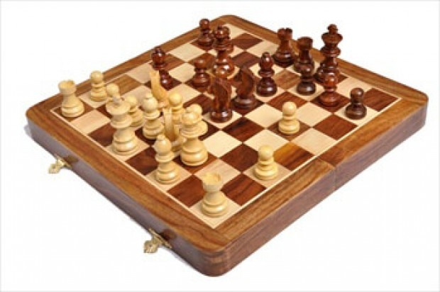 FOLDING WOODEN MAGNETIC Travel Chess Set - 10""