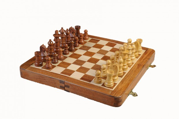FOLDING WOODEN MAGNETIC Travel Chess Set - 12""